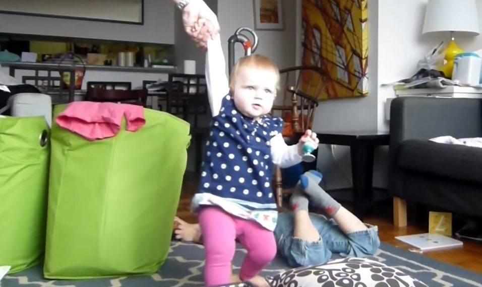 aff8a54d6e A baba első lépései – videó | HelloBaby! magazin